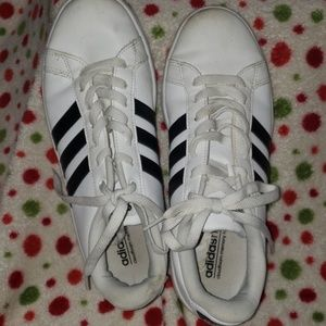 ADIDAS LEATHER ATHLETIC SHOES Size 8
